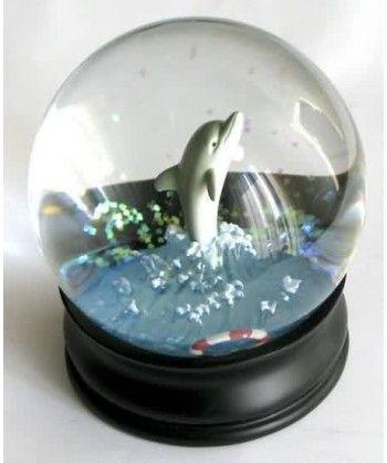 lamiglowka-snowglobe-dolphin